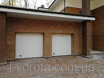 Секционные гаражные ворота DoorHan 3000*2500 (дизайн филенка)