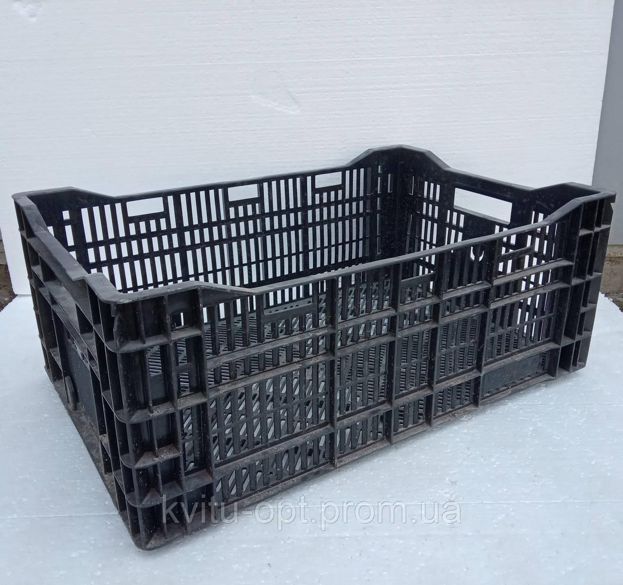 В продаже пластмассовые ящики