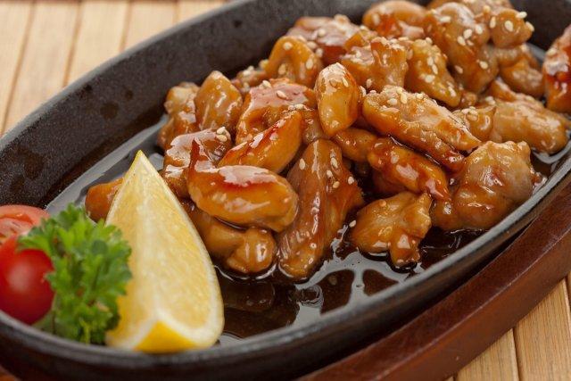 Грудка, запеченная в духовке с медом и соевым соусом - рецепт