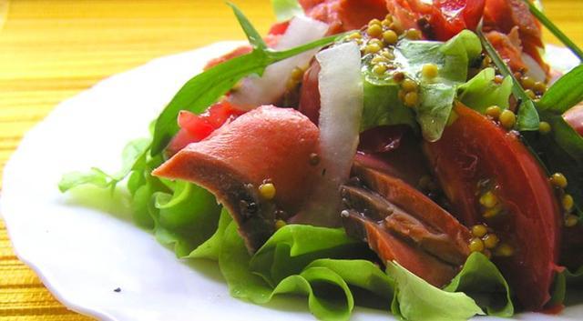 Теплый салат с лососем - рецепт