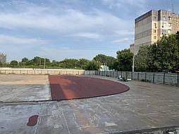 Укладка резинового покрытия на школьном стадионе г.Одесса 5