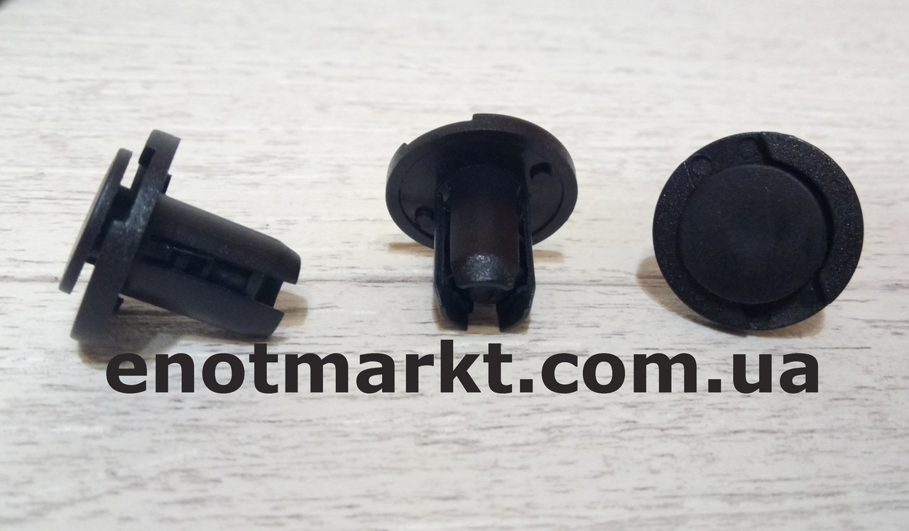 Нажимное крепление решётки радиатора много моделей Honda. ОЕМ: 91503S0KA01