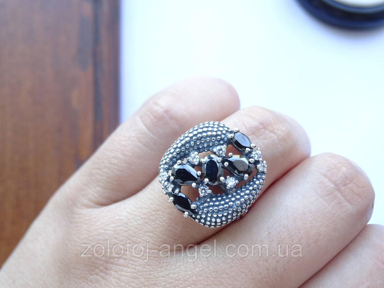 Серебряное кольцо с черным камнем Водевиль