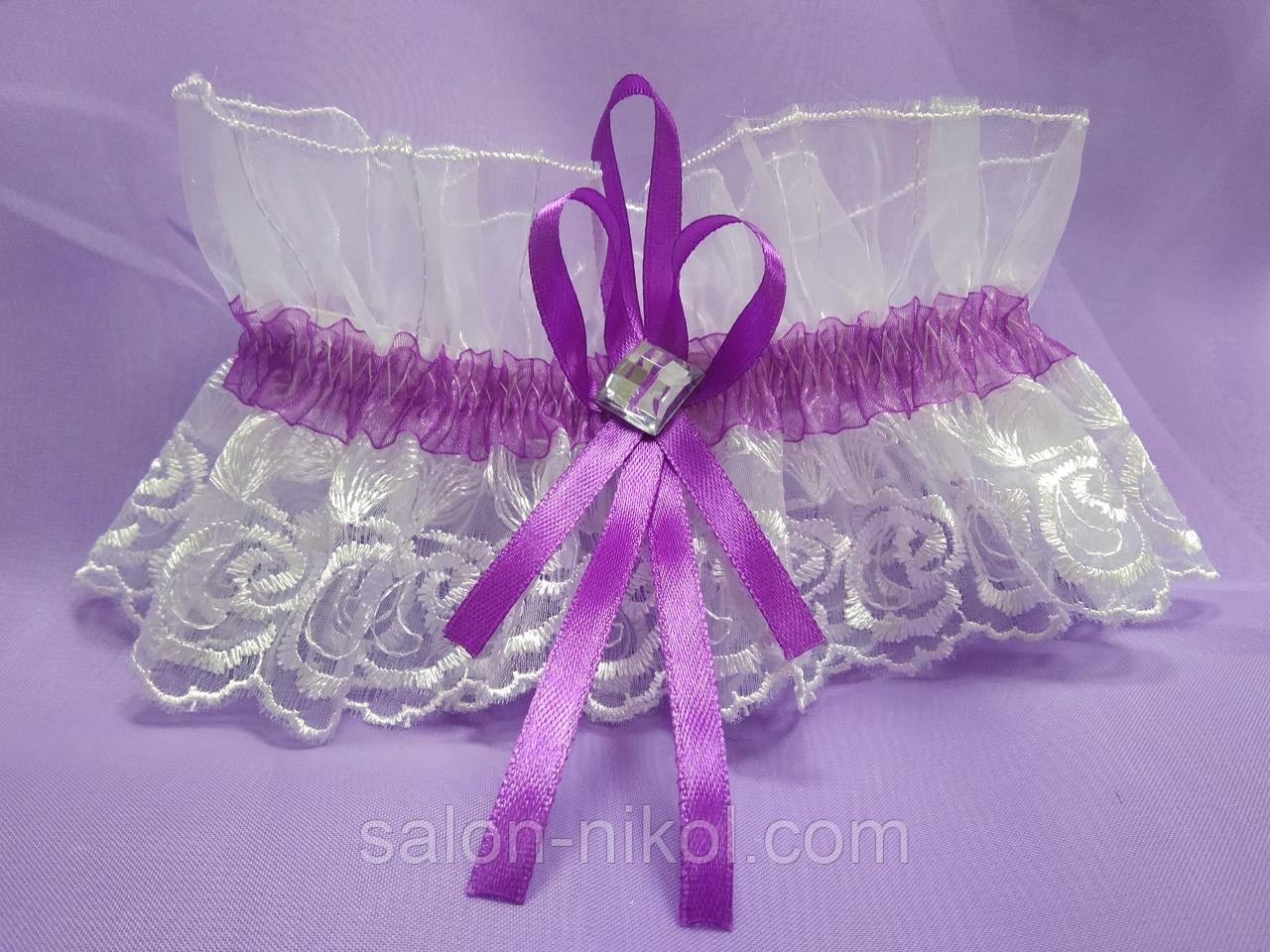 Подвязка для невесты кружевная фиолетовая
