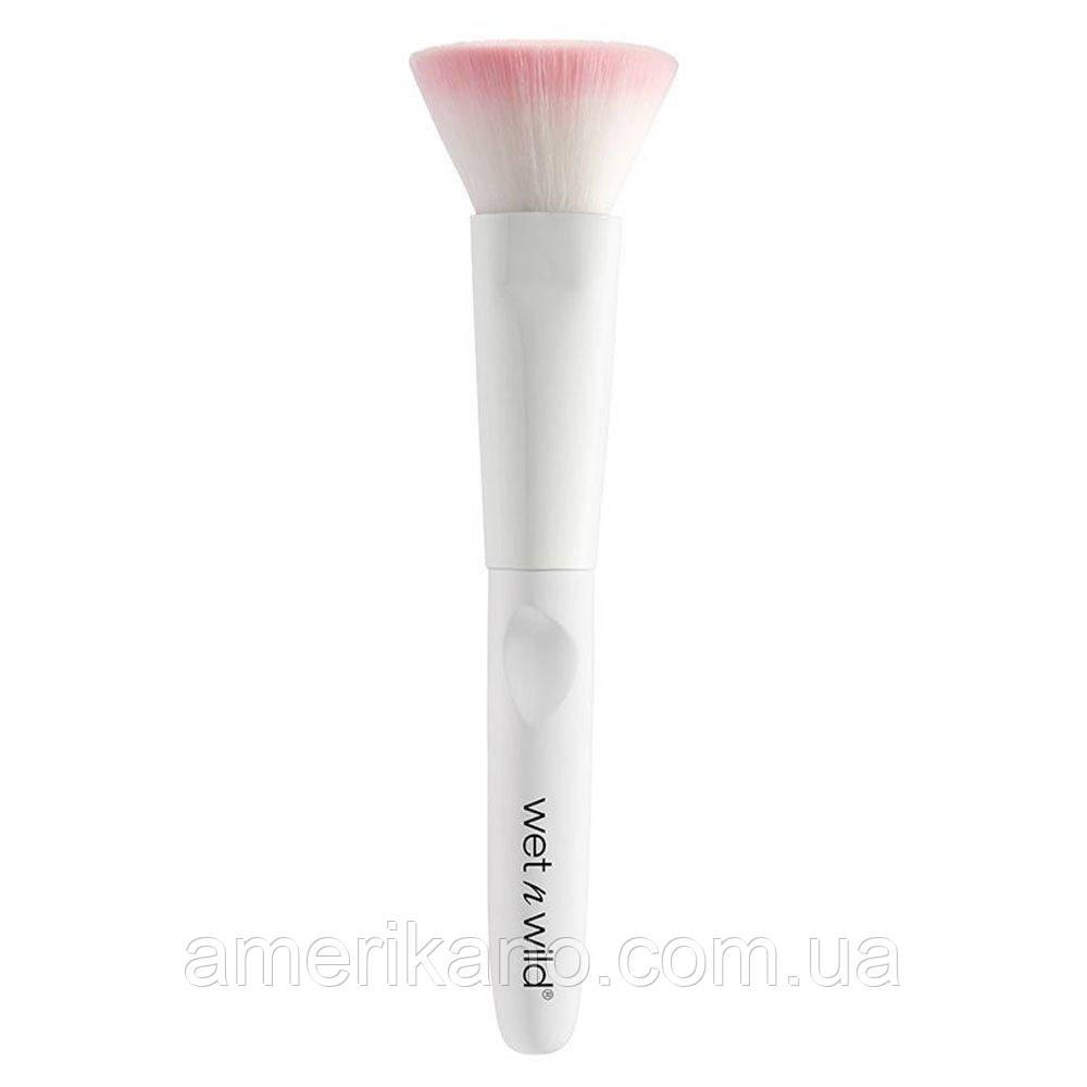 Универсальная кисть для лица WET N WILD Flat Top Brush