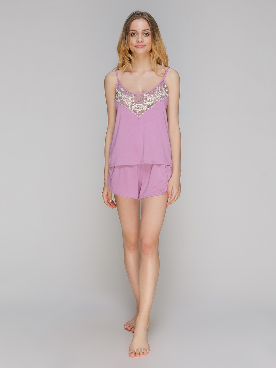 Пижама с шортами вискоза Serenade фрез c кружевом