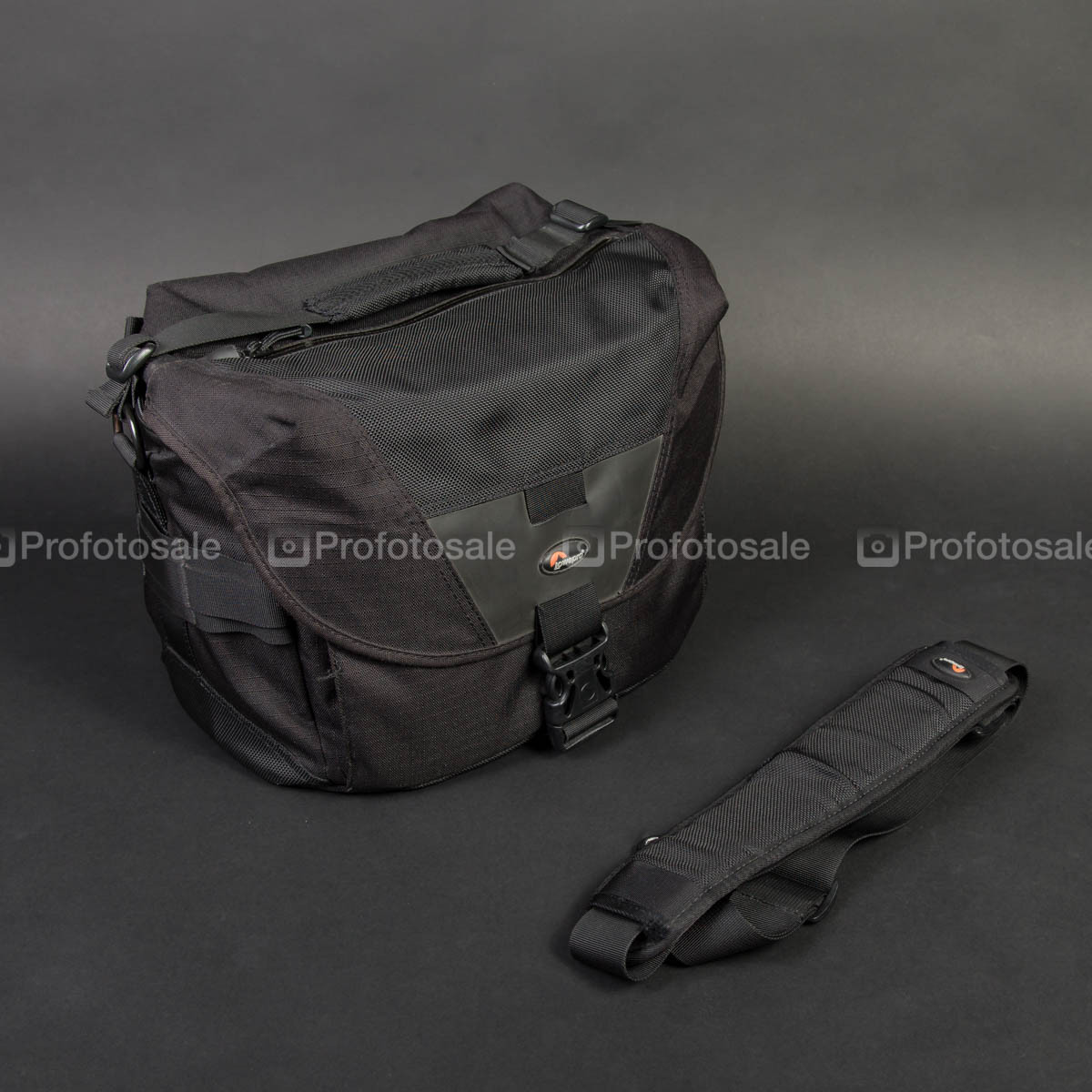 Сумка LowePro Stealth Reporter D300 AW