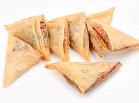 Тайские треугольники ( свинина, овощи)