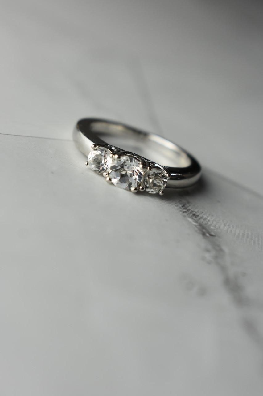 Серебряное кольцо с белой (бесцветной) Шпинелью 925 проба
