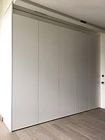 Шкаф в коридор с фасадами мдф без ручек. Система Blum Tip-on, фото 1