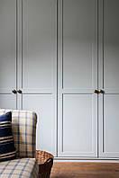 Шкафы встроенные в нишу в современном стиле