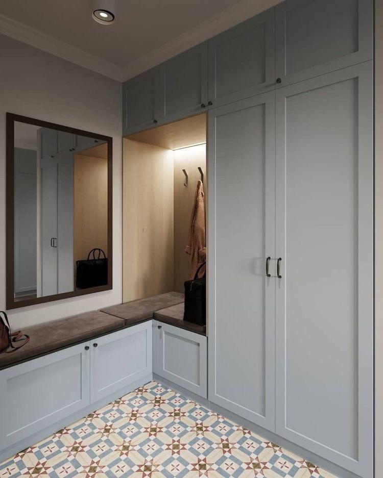 Шкафы встроенные в нишу угловой с мягкой сидушкой в современном стиле