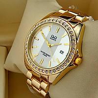 Женские наручные часы Q&Q B129 (Кью Кью) на металлическом браслете золотого цвета серебряный циферблат,с датой