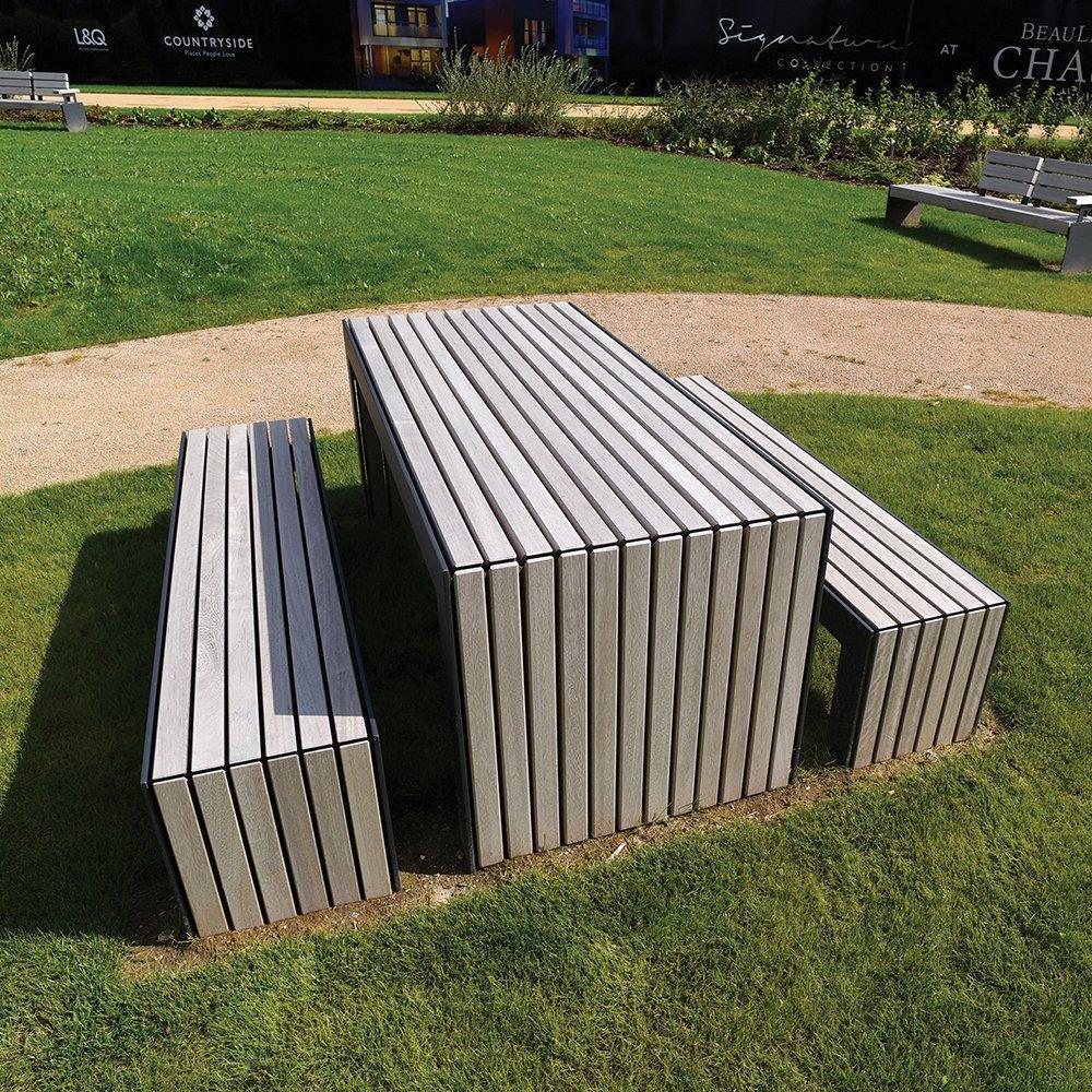Садовый стол с 2 скамейками в стиле LOFT (Garden Table - 13)