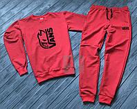 Спортивный костюм Vans красного цвета (Реплика)