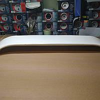 Спойлер белый со стопами и поворотами универсальный 6W, фото 1