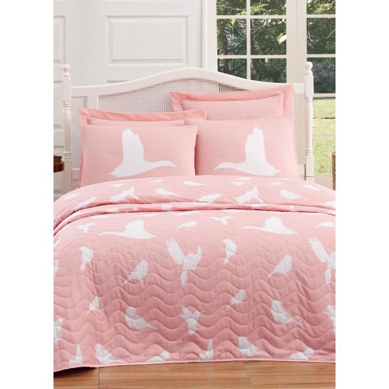Покрывало 200х220 с наволочками на кровать, диван Птицы на розовом