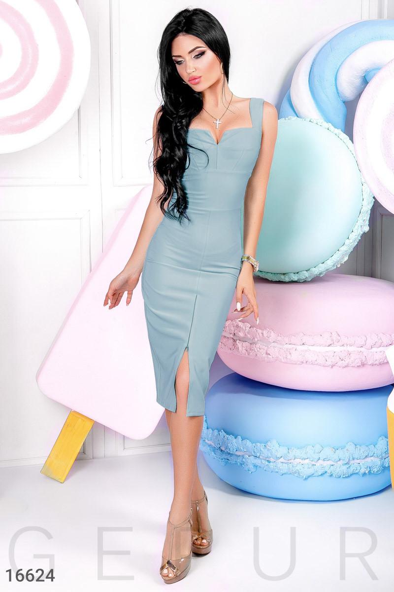 Красивое платье на лето ниже колен впереди регулируемый разрез приталенное без рукав голубой