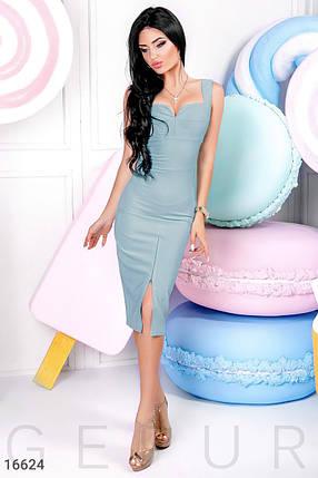 Красивое платье на лето ниже колен впереди регулируемый разрез приталенное без рукав голубой, фото 2