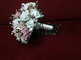 Свадебный букет-дублер из орхидей молочный с пудровым и капучино, фото 2