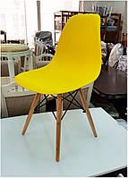 Стул Тауэр Вуд желтый пластиковый на деревянных ножках Eames DSW