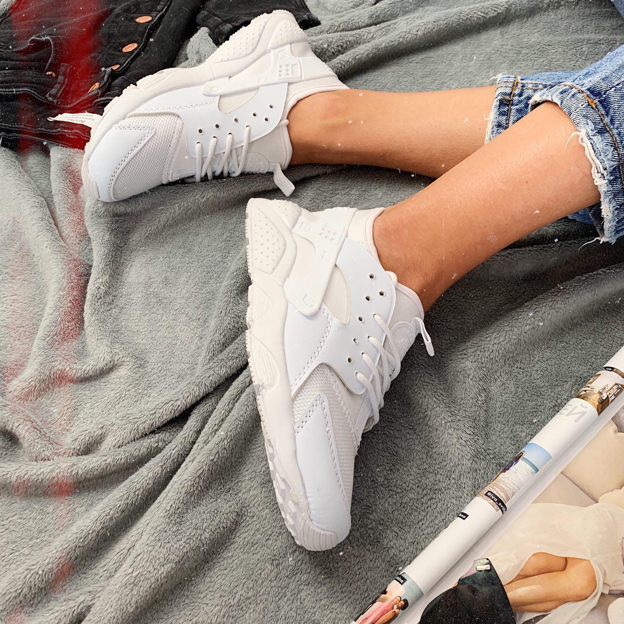 Кроссовки женские Nike Huarache 00031 ⏩ [ 36<<Последний размер>> ]