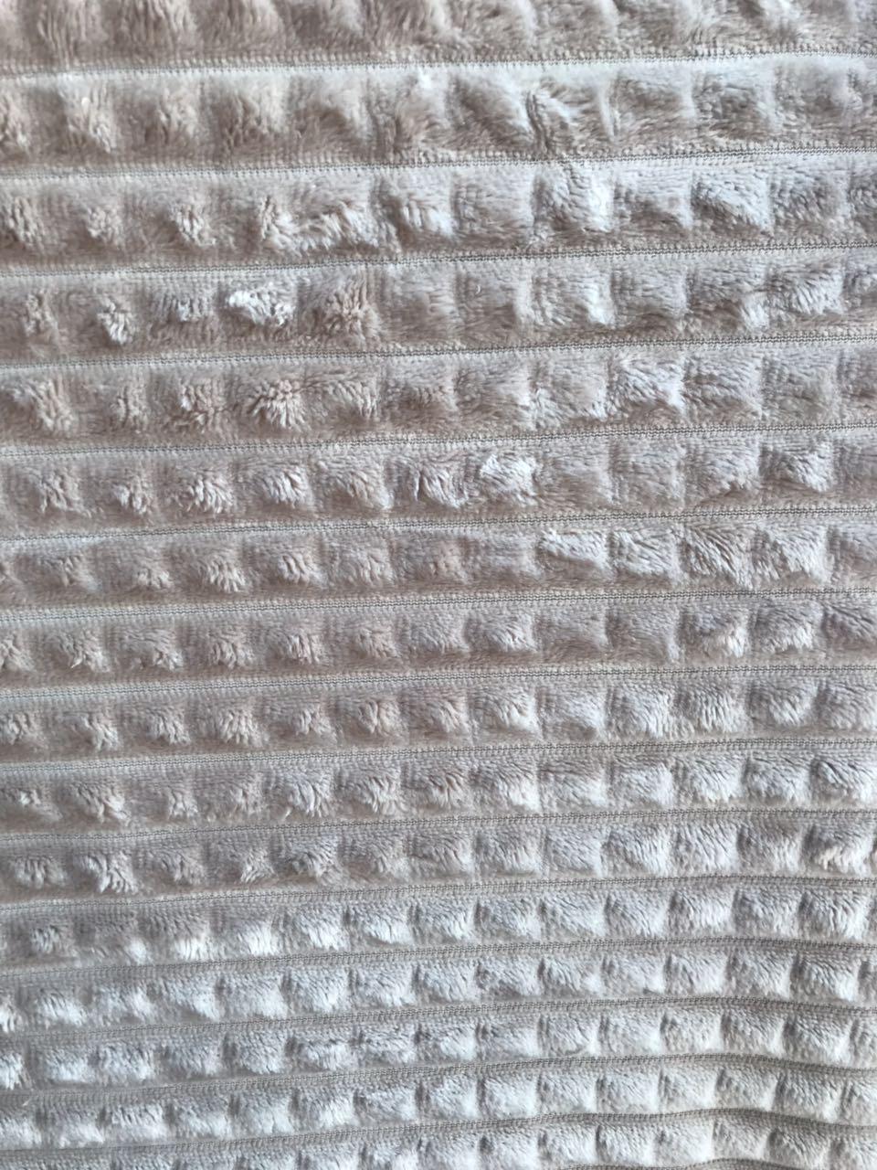Плед-покрывало микрофибра пирамидки 200*220 см (от 5 шт)