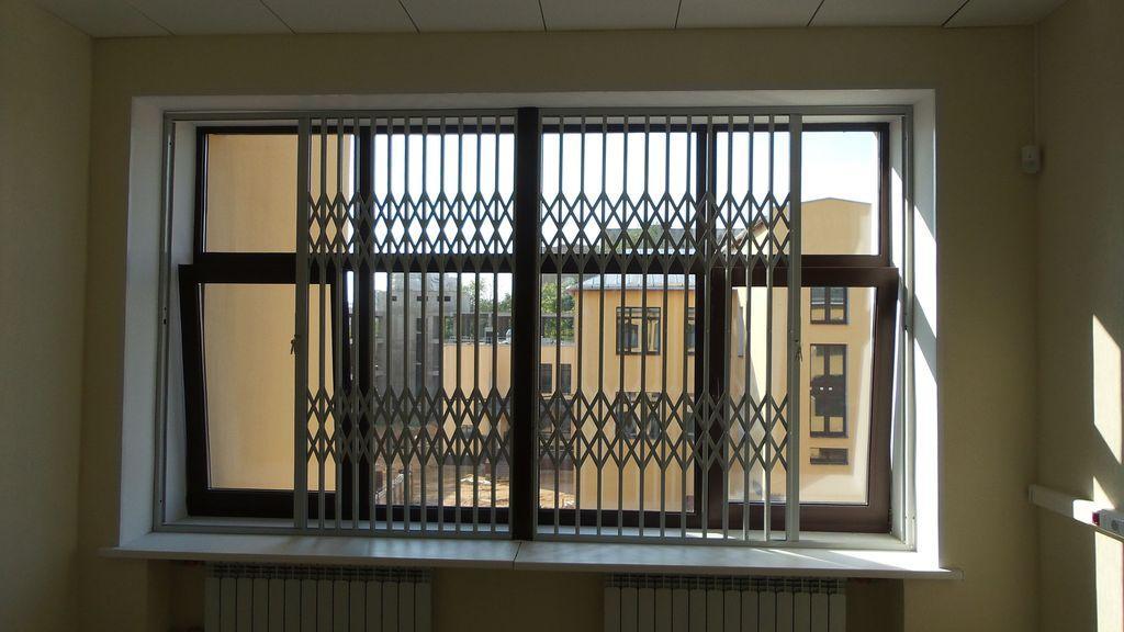 Раздвижные решетки на окна гармошка