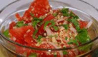 Пикантные помидоры в соевом соусе