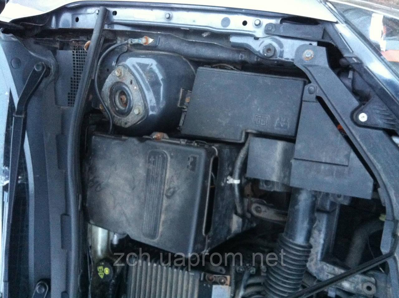 Блок предохранитилей 1.6 и 2.0 Mazda 3 Хэтчбек
