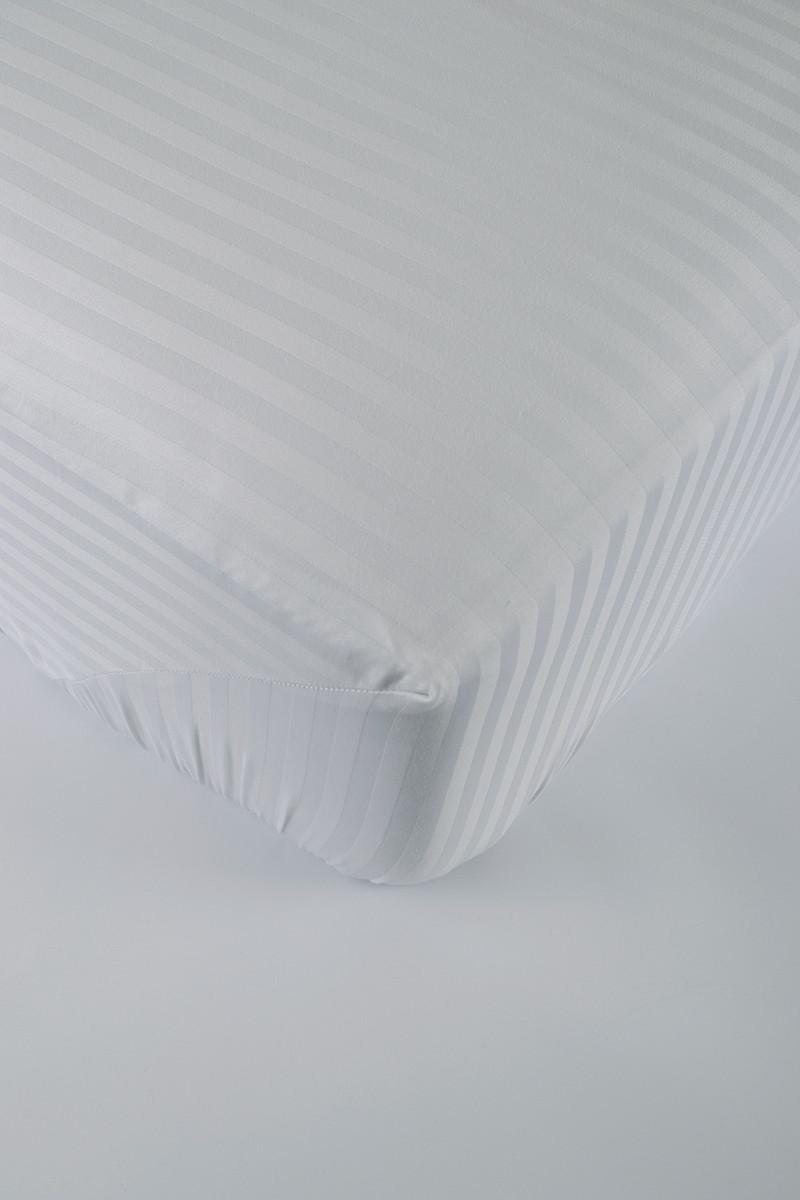 Простынь на резинке 160х200х25 сатин-страйп 1*1
