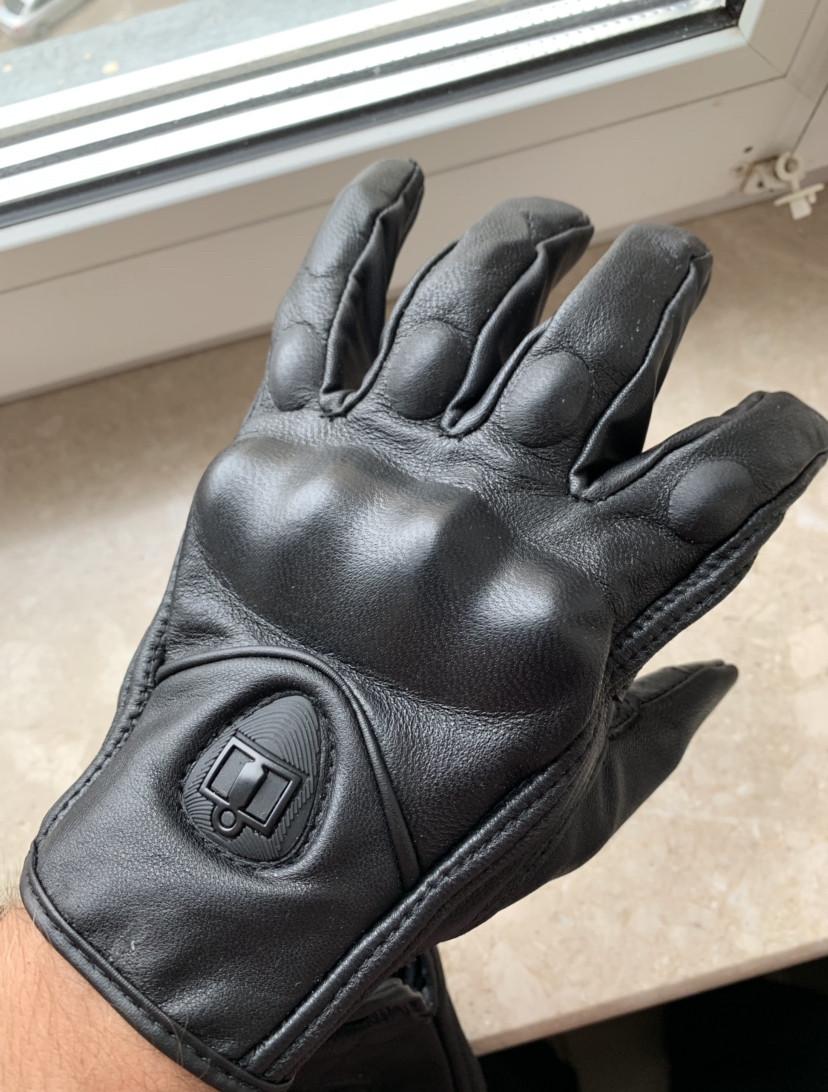 Кожаные мото перчатки Icon Pursuitне перфорированные