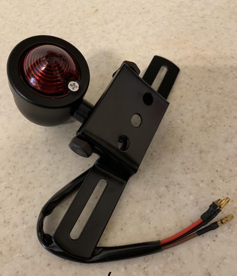 Задний кастом Led стоп-сигнал капля на мото с держателем под номер (Chopper, Bobber, Cafe Racer)