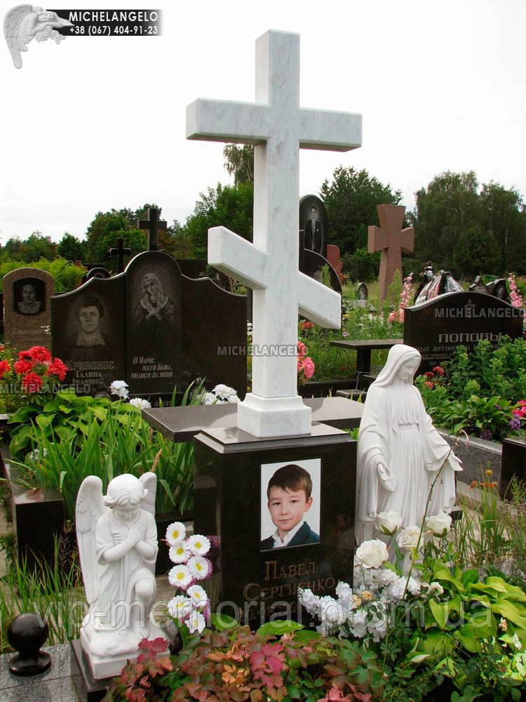 Памятник детский с крестом из мрамора