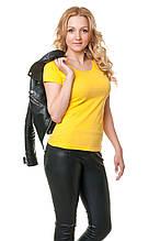 Женская классического кроя футболка, по фигуре, однотонная, желтая