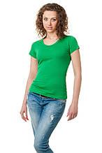 Женская классического кроя футболка, по фигуре, однотонная, цвета зеленой травы