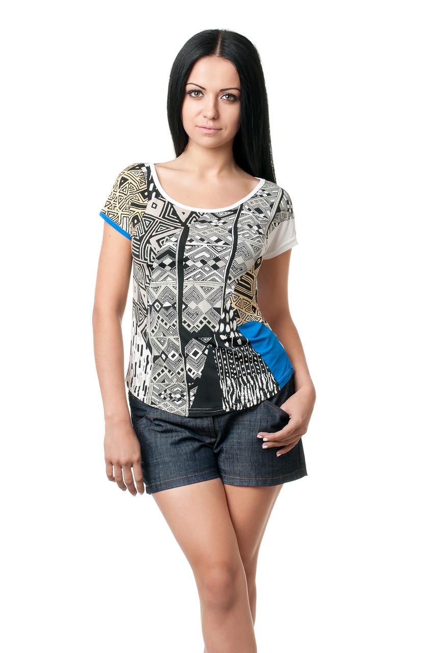 Женская футболка по фигуре, с широким округлым вырезом, из вискозы в геометрический принт, белая
