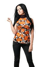 Женская футболка прилегающего кроя, без рукавов, с закрытым горлом, передняя полочка выполена из гипюра в крупный цветочный принт, коричневая