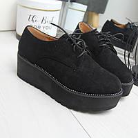 Женские замшевые туфли на высокой подошве и шнуровке 742420