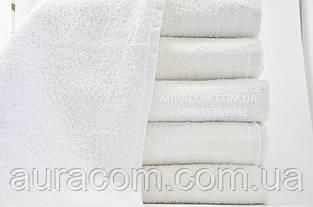 Полотенца белые, махровые,  банные.