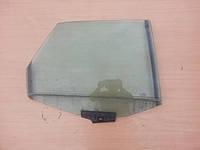 Боковое стекло задней двери правое Audi 100 A6 C4 91-97г