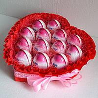 """Оригинальный подарок для любимой """"Сердце из киндер-сюрпризов"""" (13)"""