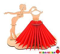 Деревянная Салфетница Девушка с Вешалкой в платье из салфеток подставка дерев'яна серветниця из дерева, фото 1
