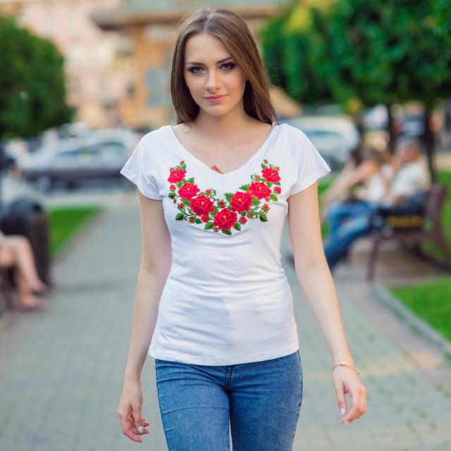 Женские вышитые футболки с коротким рукавом