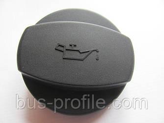 Крышка маслозаливной горловины на Mercedes-Benz W124-W904 — Autotechteile — ATT0103