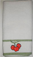 Полотенце вафельное с вышивкой, зеленое