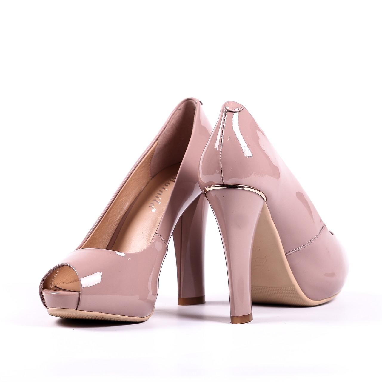Роскошные женские туфли бежевого цвета