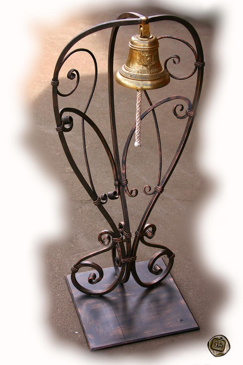 Кованая подставка под колокол
