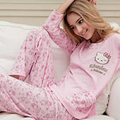 Женские пижамы и комплекты