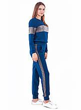 Спортивный костюм с люрексовыми вставками